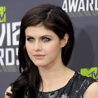 Alexandra Daddario in 2013 MTV Movie Awards - Arrivals