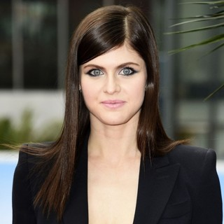 Alexandra Daddario in Baywatch Photocal