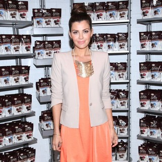 Ali Landry Celebrates The Sweet Joys of Life