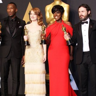 Mahershala Ali, Emma Stone, Viola Davis, Casey Affleck-89th Annual Academy Awards - Press Room