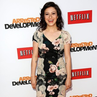 Alia Shawkat in Netflix's Los Angeles Premiere of Season 4 of Arrested Development - alia-shawkat-premiere-arrested-development-season-4-04