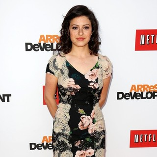 Alia Shawkat in Netflix's Los Angeles Premiere of Season 4 of Arrested Development - alia-shawkat-premiere-arrested-development-season-4-05