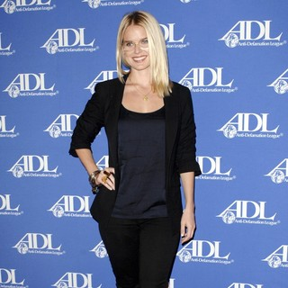 Eve - Anti-Defamation League Entertainment Industry Awards Dinner - Red Carpet