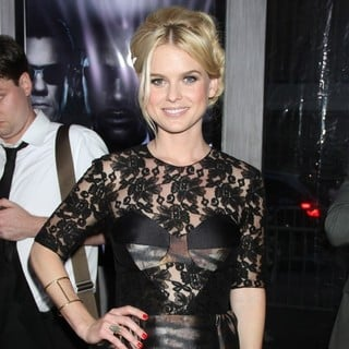 Alice Eve in Men in Black 3 New York Premiere - Arrivals