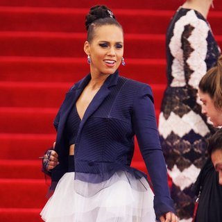 Alicia Keys - China: Through The Looking Glass Costume Institute Benefit Gala - Red Carpet Arrivals