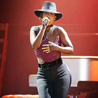 Alicia Keys Performs Live at Echo Arena Liverpool