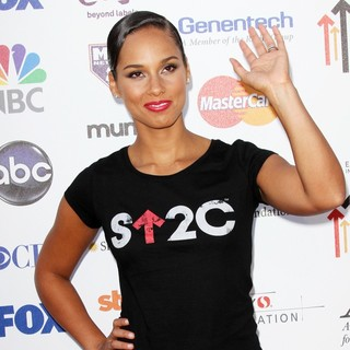 Alicia Keys - Stand Up To Cancer 2012 - Arrivals