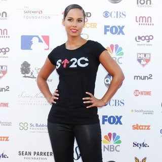 Alicia Keys in Stand Up To Cancer 2012 - Arrivals