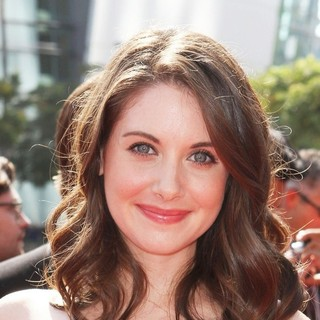 Alison Brie in 2011 Primetime Creative Arts Emmy Awards - Arrivals