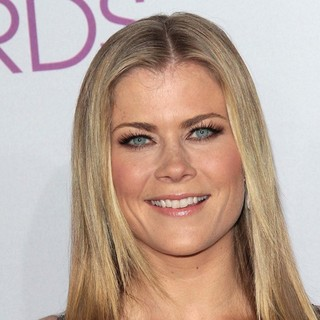 Alison Sweeney in People's Choice Awards 2013 - Red Carpet Arrivals - alison-sweeney-people-s-choice-awards-2013-01