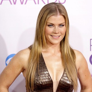 Alison Sweeney in People's Choice Awards 2013 - Red Carpet Arrivals - alison-sweeney-people-s-choice-awards-2013-02
