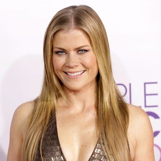 Alison Sweeney in People's Choice Awards 2013 - Red Carpet Arrivals - alison-sweeney-people-s-choice-awards-2013-03