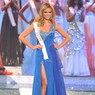 Alize Mounter in Miss World 2011