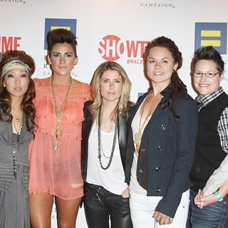 Sajdah Golde, Francine Beppu, Romi Klinger, Claire Moseley, Whitney Mixter, Cori Boccumini, Kacy Boccumini in Premiere of Showtime New Reality Series The Real L Word