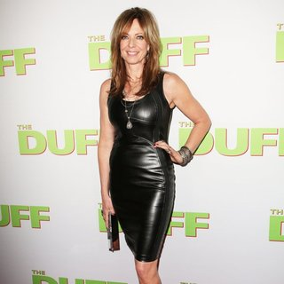 Los Angeles Fan Screening of The DUFF - Red Carpet Arrivals