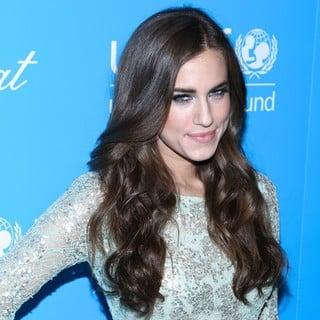 Allison Williams in 8th Annual UNICEF Snowflake Ball