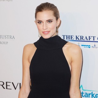 Allison Williams in Elton John AIDS Foundation's 12th Annual An Enduring Vision Benefit
