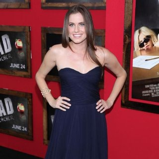Allison Williams in World Premiere of Bad Teacher - Arrivals
