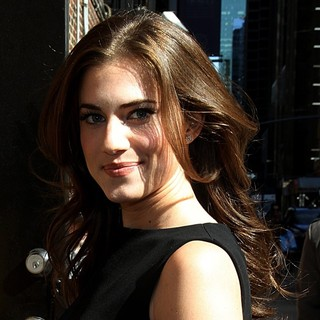 Allison Williams in Celebrities Arrive for The Late Show with David Letterman