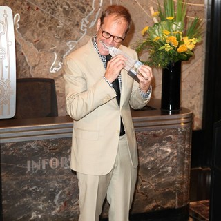 Alton Brown in Celebration of The James Beard Foundation's 25th Anniversary with Alton Brown
