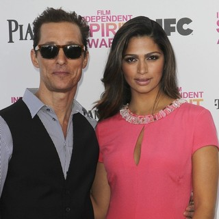 Matthew McConaughey, Camila Alves in 2013 Film Independent Spirit Awards - Arrivals