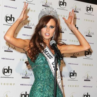Alyssa Campanella in 2011 Miss USA Press Conference