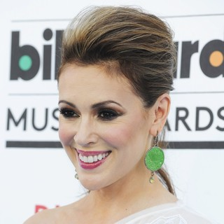 Alyssa Milano in 2013 Billboard Music Awards - Arrivals - alyssa-milano-2013-billboard-music-awards-02