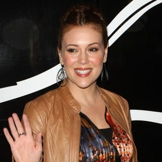 Alyssa Milano in Sea Shepherd's Stand Up for The Oceans Benefit