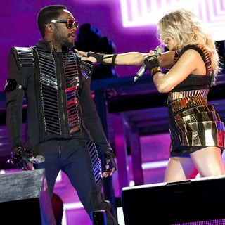 will.i.am, Stacy Ferguson in Black Eyed Peas and Friends Concert 4 NYC in Support of The Robin Hood Foundation
