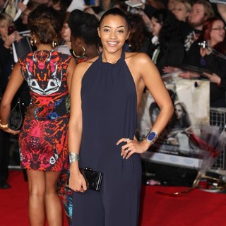 Amal Fashanu in The World Premiere of Thor: The Dark World - Arrivals