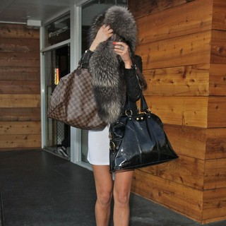 Amanda Bynes in Amanda Bynes Shopping at Kin on Sunset Boulevard