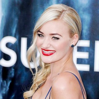 Amanda Michalka in Los Angeles Premiere of Super 8