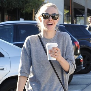 Amanda Seyfried - Amanda Seyfried Out and About in Los Angeles