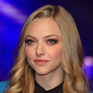Amanda Seyfried in In Time UK Film Premiere - Arrivals