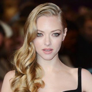 Amanda Seyfried in Les Miserables World Premiere - Arrivals - amanda-seyfried-uk-premiere-les-miserables-01