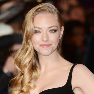 Amanda Seyfried in Les Miserables World Premiere - Arrivals - amanda-seyfried-uk-premiere-les-miserables-03