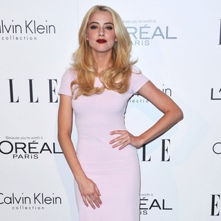 Amber Heard in ELLE's 18th Annual Women in Hollywood Tribute - Red Carpet