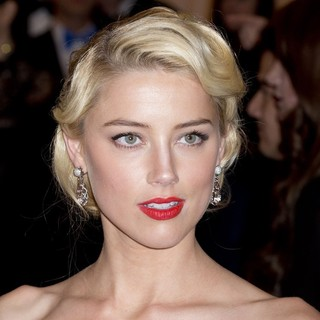 Amber Heard in Schiaparelli and Prada Impossible Conversations Costume Institute Gala