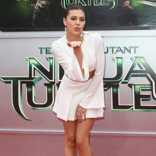Los Angeles Premiere of Teenage Mutant Ninja Turtles - Arrivals - amber-montana-premiere-teenage-mutant-ninja-turtles-04
