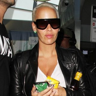 Amber Rose Arrives at Los Angeles International Airport