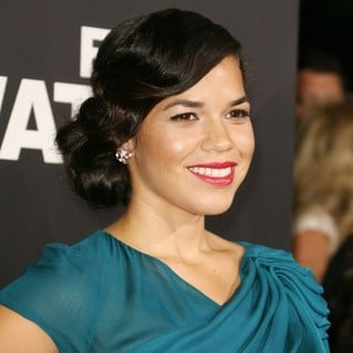 Los Angeles Premiere of End of Watch - america-ferrera-premiere-end-of-watch-02