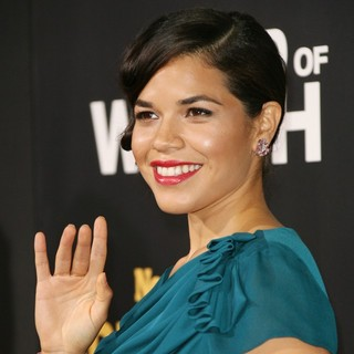 Los Angeles Premiere of End of Watch - america-ferrera-premiere-end-of-watch-03