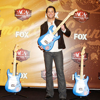 Easton Corbin in The 2010 American Country Awards - Press Room