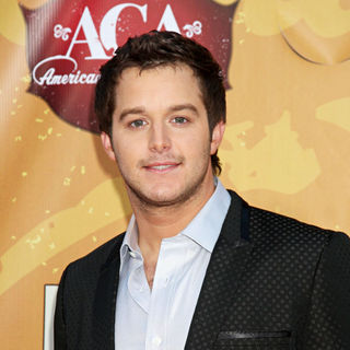 Easton Corbin in The 2010 American Country Awards - Arrivals