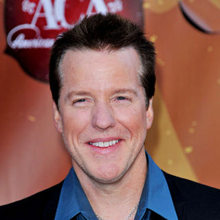 Jeff Dunham in The 2010 American Country Awards - Arrivals