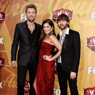 Lady Antebellum in The 2010 American Country Awards - Arrivals