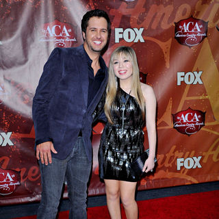 Luke Bryan, Jennette McCurdy in The 2010 American Country Awards - Arrivals