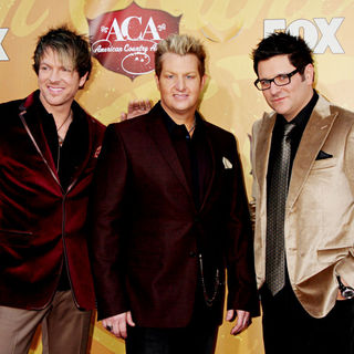 Rascal Flatts in The 2010 American Country Awards - Arrivals