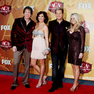 Joe Don Rooney, Tiffany Fallon, Gary LeVox in The 2010 American Country Awards - Arrivals
