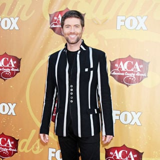 Josh Turner in The 2010 American Country Awards - Arrivals